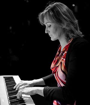 Lucilla-al-piano
